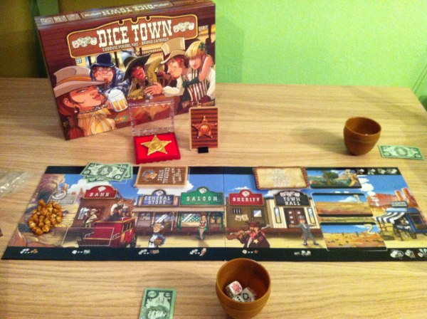 how to play dice town